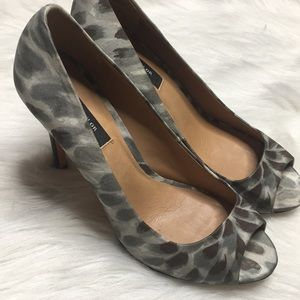 Ann Taylor peep toe heels sz 8 euc